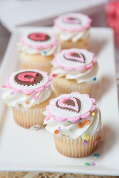 Great cowgirl cupcake toppers #cowgirl #cupcakes