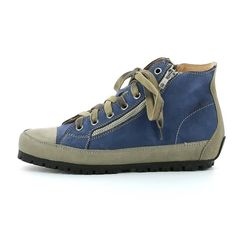 Woman's Leather Sneaker made with vegetable tanned calf linings, with very low chromium content. Leather Sneakers, Leather Heels, Hiking Boots, Calves, Flats, Zip, Fashion, Schmuck, Loafers & Slip Ons