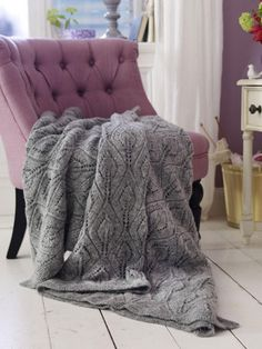 For cold days: knit and shape the blanket - DIY home decoration - Stricken Sweater Design For Ladies, Butterfly Stitches, Baby Blocks, Free Baby Stuff, Knitted Blankets, Baby Knitting Patterns, Pattern Blocks, Boro, Oversize Pullover