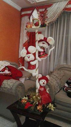 Christmas Fun, Christmas Wreaths, Ladder Decor, Christmas Stockings, Holiday Decor, Home Decor, Felt, Snowman, Christmas Things