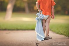A child with its beloved buddy. Children Photography, Photography Ideas, Project 365, Photo Tutorial, Photo Ideas, Tutorials, Smile, Projects, Photos