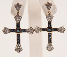 PAIR OF 18K DIAMOND AND BLUE SAPPHIRE EARRINGS