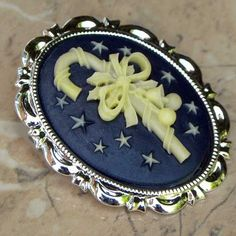 Candy cane black cameo brooch for Christmas | Jewels & Finery UK