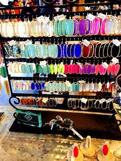 I want to display all my jewelry like that !!!