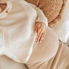 7 pregnancy symptoms nobody talks about! - Gazellemag Pregnancy is . - 7 pregnancy symptoms nobody talks about! – Gazellemag Pregnancy is in the collective imagination - Cute Maternity Outfits, Stylish Maternity, Pregnancy Outfits, Pregnancy Photos, Maternity Fashion, Pregnancy Tips, Early Pregnancy, Pregnancy Calendar, Pregnancy Fashion