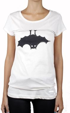 aedff5aaf Batty Tee bat print t-shirt MARC BY MARC JACOBS. Halloween Shirt,  International