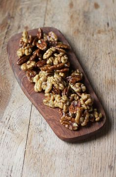 Maple Caramelised Nuts! Caramelised with maple syrup and coconut oil. Sooo delicious! Vegan + GF