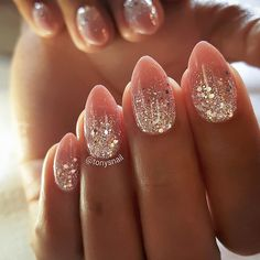 Finger Nägel You are in the right place about fall wedding nails opi Here we offer you the most beautiful pictures about the fall wedding nails navy you are looking for. When you examine the Finger Nä Fancy Nails, Diy Nails, Cute Nails, Pretty Nails, Nail Manicure, Nail Polish, Manicure Ideas, Glitter Ombre Nails, White Sparkle Nails