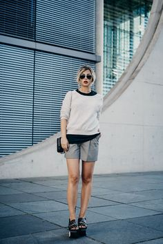 How to: office outfits | back to work in summer shorts| style: formal, chic, effortless cool | find more pictures on my blog