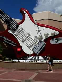 Aerosmith Rockin' Roller-coaster! Don't forget about the single rider line here.