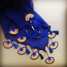 crochet necklace yellow carnation by PashaBodrum on Etsy Crochet Flower Patterns, Crochet Motif, Crochet Designs, Crochet Flowers, Crochet Lace, Knitting Patterns, Crochet Needles, Crochet Videos, Crochet Slippers