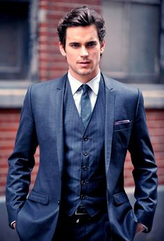 Matt Bomer from white collar - is it possible that he is TOO beautiful?