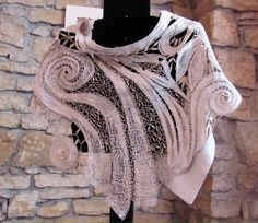 одноклассники Freeform Crochet, Irish Crochet, Knit Crochet, Bobbin Lace Patterns, Lacemaking, Lace Outfit, Lace Scarf, Linens And Lace, Needle Lace