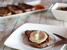 Solomillo con salsa de setas Pie, Desserts, Food, Mushroom Sauce, Sauces, Weekly Menu, Torte, Tailgate Desserts, Cake