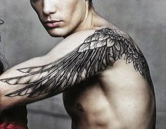 angel-wing-tattoos-40