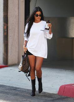 """kourtneykardashiandaily:  """"(via Kourtney Kardashian Out In Calabasas « Kourtney Kardashian Daily)  """""""