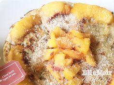 Banana #pancake con cannella e farina di cocco, alle pesche.  #food #bananapancakes #breakfast #foodie #yummy #healthy #happy #love #foodporn