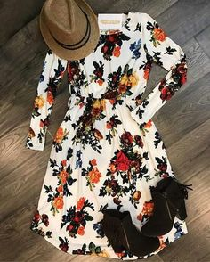 31 Fall Outfits We are Loving Right Now Modest Outfits, Modest Fashion, Fashion Outfits, Womens Fashion, Hipster Outfits, Apostolic Fashion, Retro Fashion, Jw Mode, Mode Plus