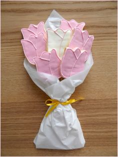 Valentinstag Butter, Tableware, Mother's Day, Velentine Day, Cookie Recipes, Products, Floral, Purchase Order, Dinnerware