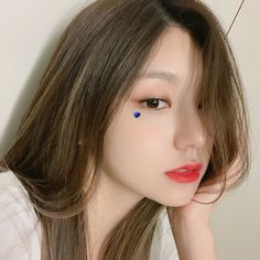 Image may contain: one or more people and closeup Kpop Girl Groups, Korean Girl Groups, Kpop Girls, Loona Kim Lip, Rapper, Lisa, Kpop Aesthetic, Ulzzang Girl, These Girls