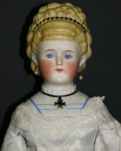 ANTIQUE  GERMAN  PARIAN  DOLL   'EMPRESS  AUGUSTA'