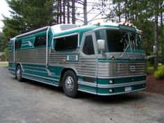 Cool Vintage Conversion from 1955 Flxible VL100, while maintaining the bus appeal but adding some RV flare.
