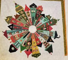 Dresden Neighborhood by Kathryn McCarty Dresden Plate Patterns, House Quilt Patterns, Dresden Quilt, Quilt Modernen, Halloween Fabric, Amish Quilts, Vintage Sewing Machines, Tatting Patterns, Applique Quilts
