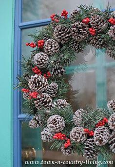 Pine Cone Christmas Wreath