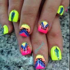 Neon nails ❤️