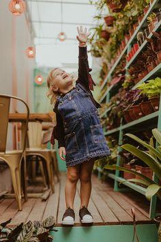 Editorial Viver Kids | Fotografia lifestyle de família em Curitiba Editorial, Floral, Skirts, Fashion, Living Alone, Fotografia, Moda, Fashion Styles, Skirt
