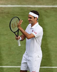 Roger Federer, Tennis Players, Tennis Racket, Photo And Video, Sports, Instagram, Passion, Game, Hs Sports