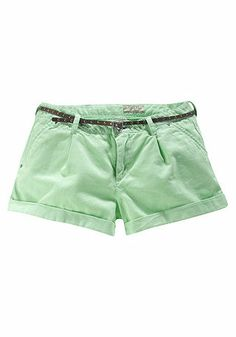 Guess Chinoshorts https://www.otto.de/p/guess-chinoshorts-327334378/#variationId=327332560
