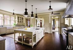 A Martha's Vineyard kitchen by Victoria Hagan and Ferguson & Shamamian Architects