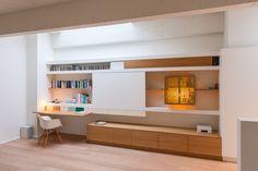 Hint - Projecten Hidden Desk, Tv Wall Cabinets, Study Areas, Living Room Tv, Built Ins, Space Saving, Kids Bedroom, Bookshelves, Home Office