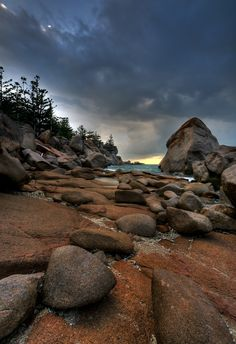 The very bouldery Magnetic Island, Nth. Queensland, Australia.