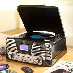 music center: vinyl record and CD player. FM radio  50' look called Memphis accordingly to the city of Elvis Preysley
