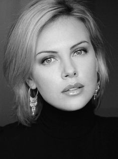 Charlize Theron 2015 Most Beautiful woman of the year Charlize Theron, Most Beautiful Women, Beautiful People, Absolutely Stunning, Black And White Portraits, Timeless Beauty, Hollywood Stars, Woman Face, Belle Photo