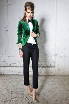 Green velvet tux jacket..How awesome would it have been to show up in a HOT sexy tux! FEMALE STYLE!