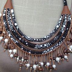 Collier tissu cuir marron - tissu noir et blanc - perles métalliques et bois noir et blanc