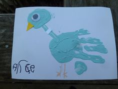 Don't Let the Pigeon Drive the Bus by Mo Willems. Great craft for tots!