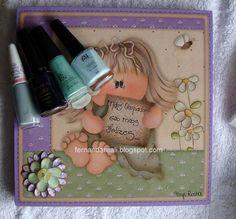 Caixa pintada e com  aplicacão de decoupagem feita por Tays Rocha. Artcrafts    http://www.fernandareali.com/2011/03/caixa-com-decoupagem-cheia-de-presentes.html