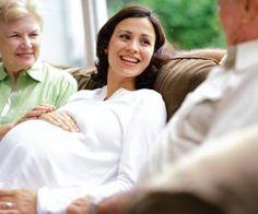 Enger können zwei Menschen nicht miteinander verbunden sein als ein ungeborenes Kind mit seiner Mutter. Gleichzeitig entwickelt das Baby bereits vor seiner Geburt eine eigene Persönlichkeit. Was brauchen Ungeborene, um in Ruhe zu reifen?