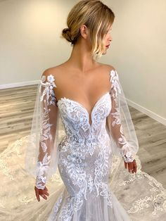 The Élysée Therese bridal jacket sleeve is available to add to the Athenais bridal gow Wedding Party Hair, Wedding Day, Wedding Stuff, Dream Wedding, Wedding Dress Sleeves, Wedding Dresses, Gown Drawing, Tulle, Whimsical Wedding