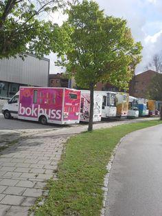 Swedish mobile library meet 2014 Bokbusspersonalen är på konferens med kollegor från Norden i #Falkenberg. /Hanna & Liz #mobilamöten pic.twitter.com/kmhVJkzMDH