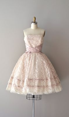 #1950s #partydress #dress #vintage #retro #elegant #petticoat #romantic #classic #feminine #fashion #lace #bridal #wedding