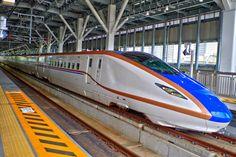 北陸新幹線(富山駅)