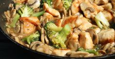 Végre valami új íz! Ez a brokkolis csirkemell egyszerre amerikai, egyszerre kínai, ráadásul nagyon könnyen elkészíthető és neked is ízleni fog!
