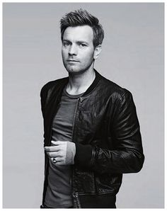 This is a nice casual simple shot of ewan mcgregor