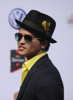 Bruno in yellow!  Can't get better than that!