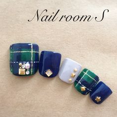 フットネイルを可愛くして秋も足元からおしゃれを取り入れて♡ 2017 ネイルブックマガジン Pretty Toe Nails, Pretty Toes, Pedicure Designs, Toe Nail Designs, Plaid Nails, Plaid Nail Art, Japan Nail Art, Sculpted Gel Nails, Feet Nails